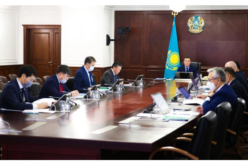 政府总理主持召开恢复经济增长国家委员会会议