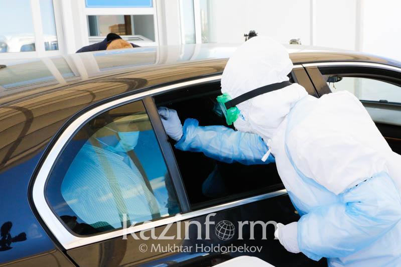 努尔苏丹市新冠肺炎移动检测站投入使用