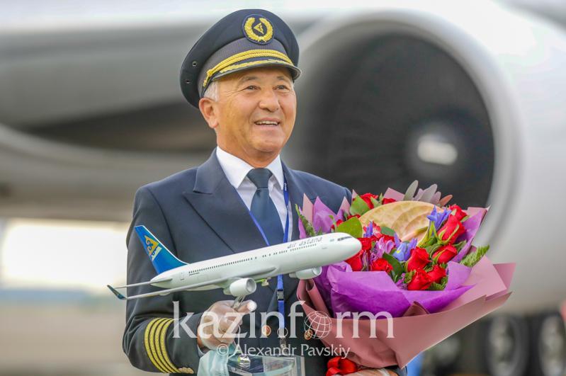 Это был яркий полет - первый шеф-пилот Елбасы вышел на пенсию