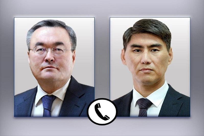 Главы МИД Казахстана и Кыргызстана обсудили прохождение грузовиков через границу