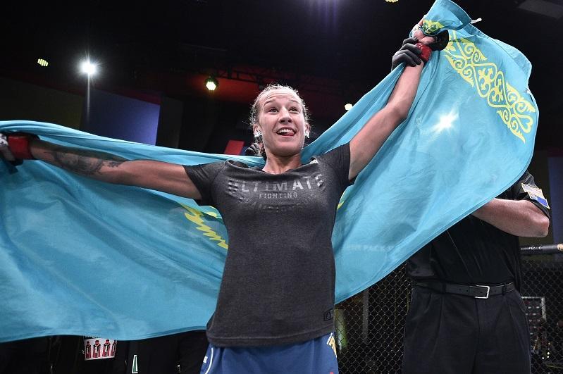 UFC: Қазақстандық Мария Агапова қарсыласын үш минуттың ішінде жеңді