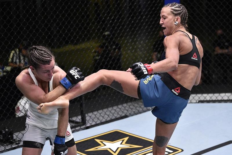 UFC тарихындағы алғашқы қазақстандық қыз жаңа қарсыласын айқасқа шақырды