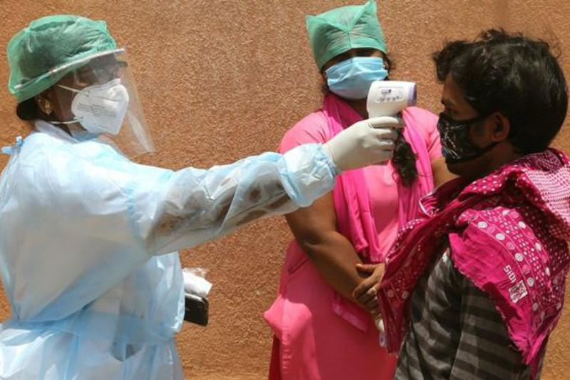 Коронавирус: новая вспышка в Пекине и риск осложнений для пятой части населения Земли