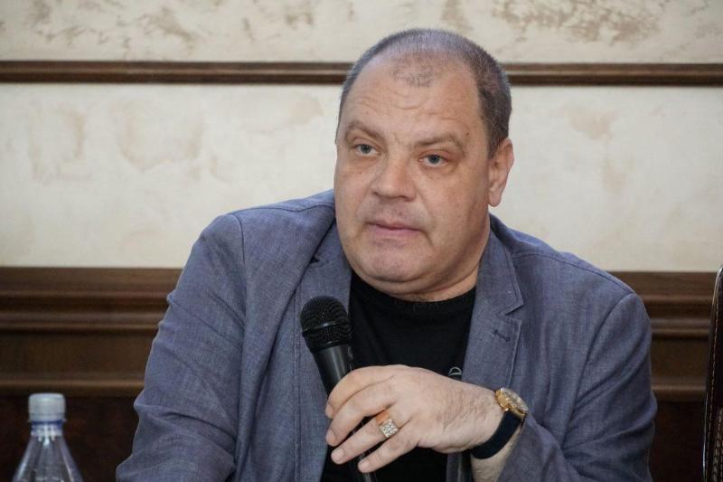 Политике нужны новые люди и идеи – политолог Эдуард Полетаев