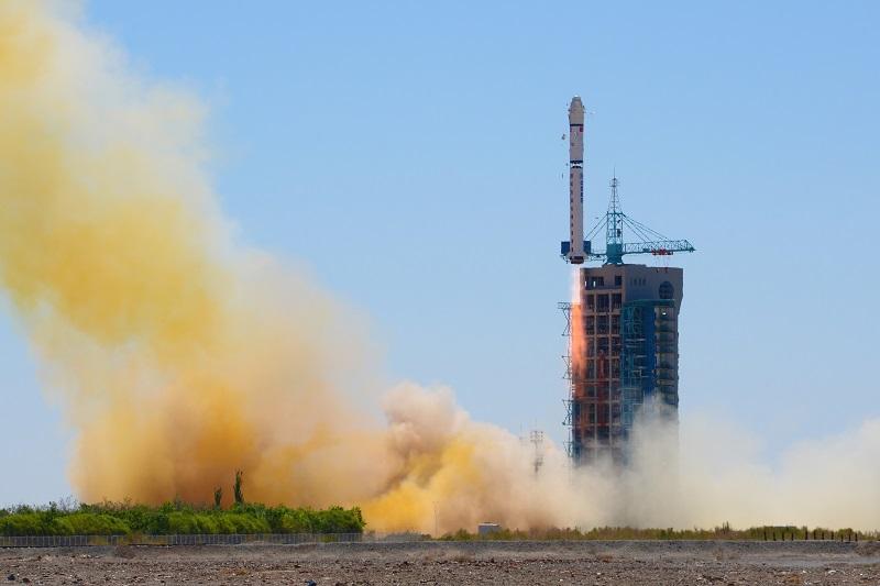 Қытай орбитаға үш спутник ұшырды