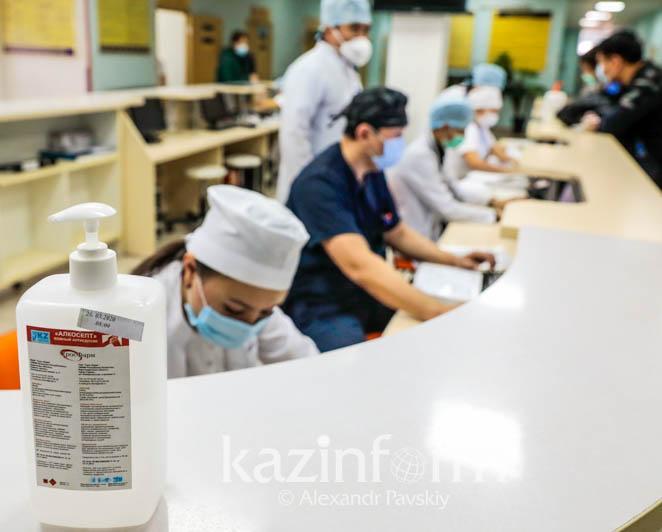 Высокую загруженность коронавирусных стационаров в столице отмечает Минздрав