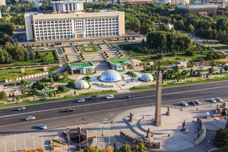 Центральные улицы Алматы по выходным станут пешеходными