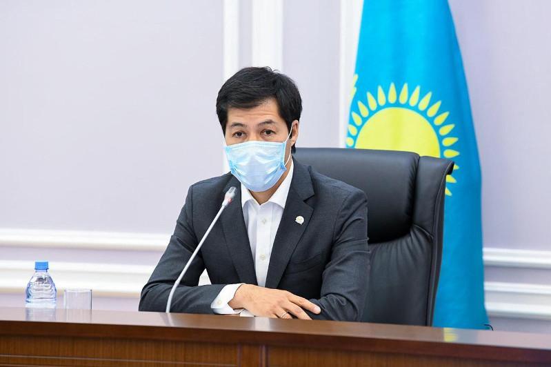 Аким ЗКО дал личный номер телефона для сообщения о фактах коррупции
