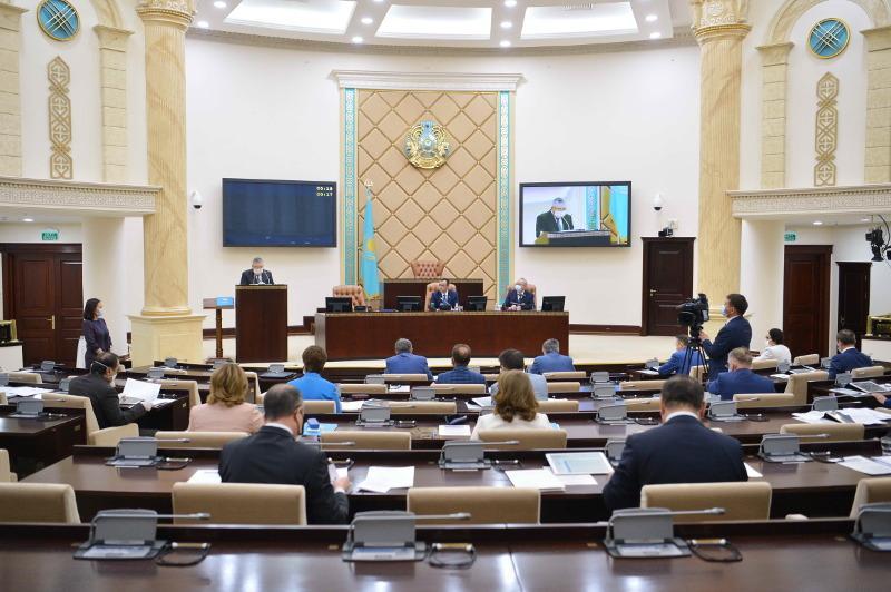 Мәулен Әшімбаев Сенаттың өткен сессиядағыжұмысын қорытындылады