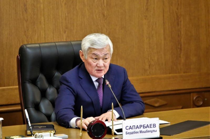 Бердибек Сапарбаев поздравил жамбылских журналистов с профессиональным праздником