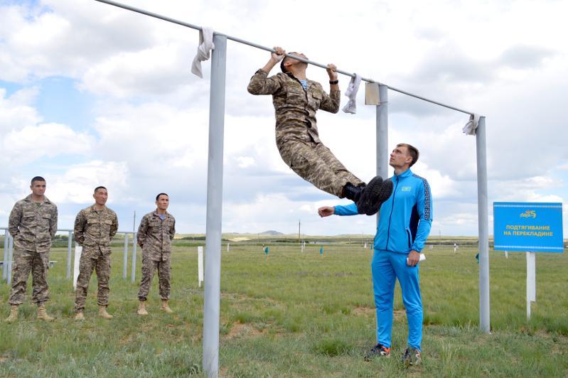 Казахстанские военнослужащие поборются за звание «Воин мира»