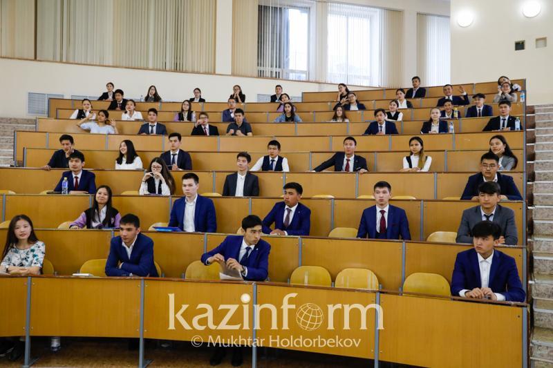 Свыше 6 тысяч выпускников приняли в участие в ЕНТ в Восточном Казахстане