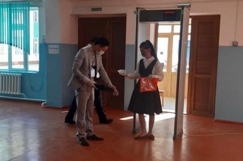 320 абитуриентов отстранены от сдачи ЕНТ в Туркестанской области
