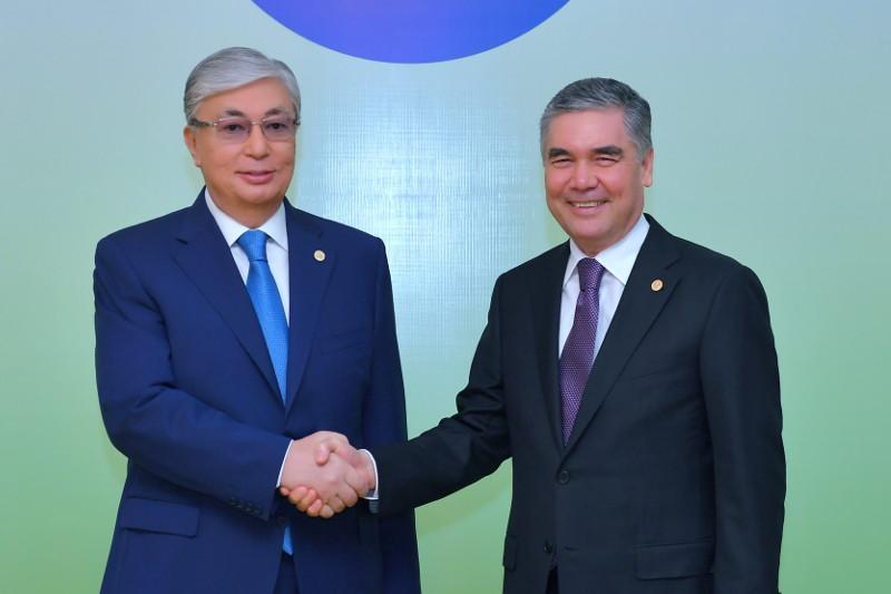 Состоялся телефонный разговор президентов Казахстана и Туркменистана