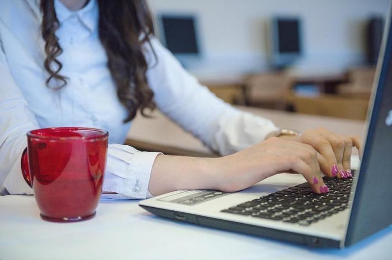 400 тысяч казахстанцев планируют обучить цифровой грамотности в этом году