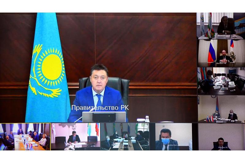 Аскар Мамин провел заседание Совета Евразийского банка развития