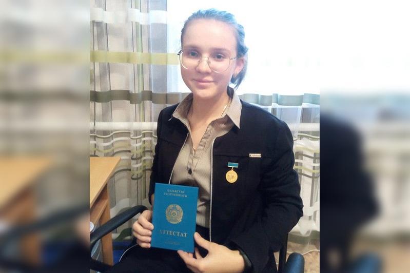 Набравшая 128 баллов на ЕНТ выпускница рассказала о своих планах