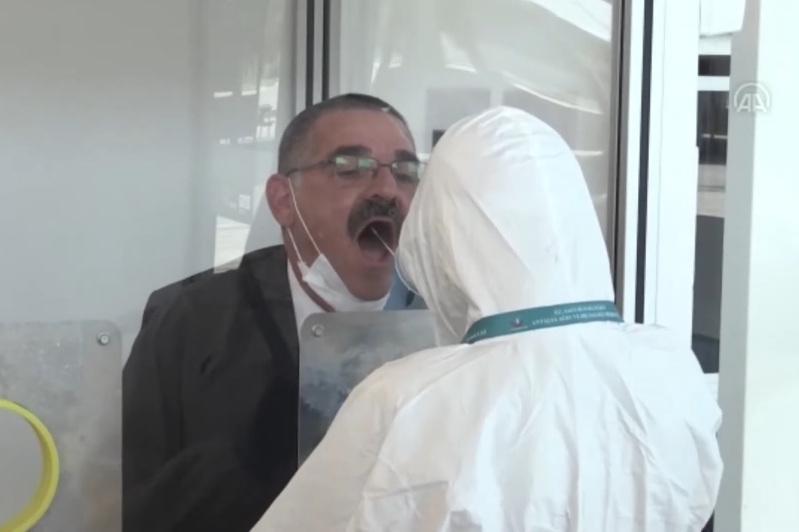 Как в аэропорту Антальи тестируют на коронавирус