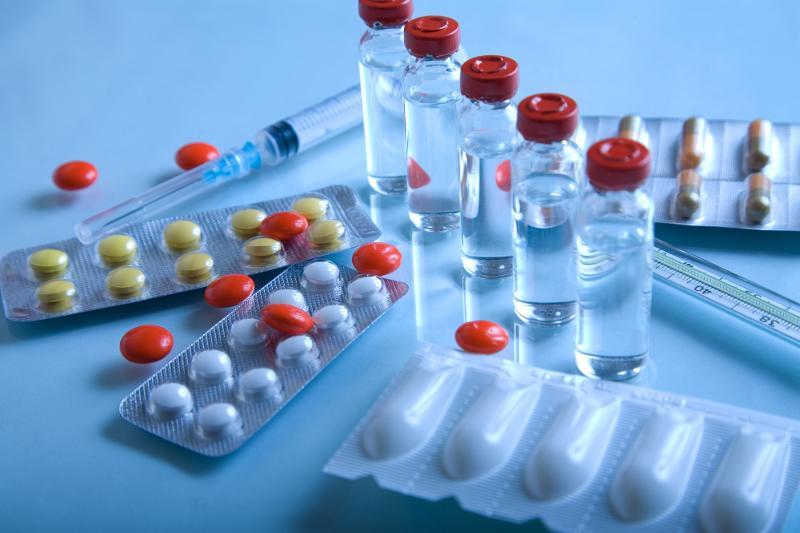 Надо ли принимать антибиотики при признаках коронавируса - ответ Людмилы Бюрабековой