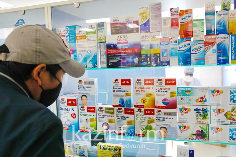 В Казахстане ограничивают продажу лекарств в одни руки