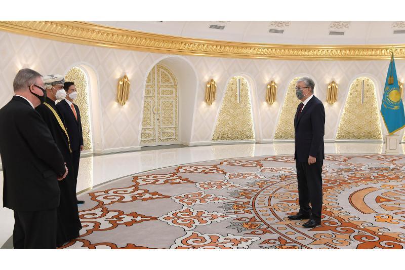 托卡耶夫总统接受多国新任大使提交的国书