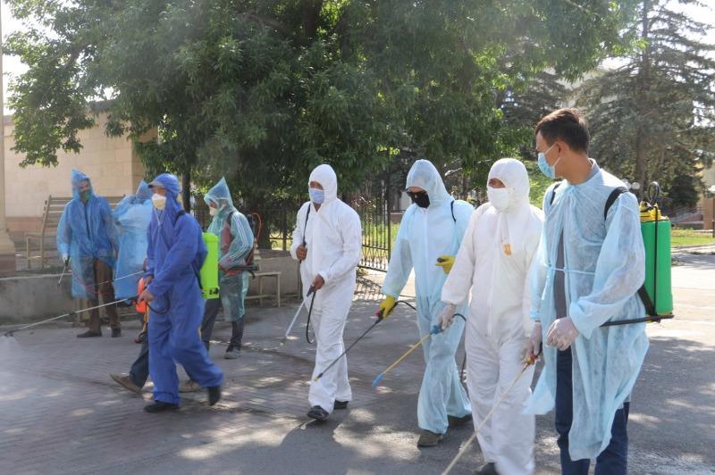 В Тюлькубасском районе провели дезинфекцию общественных мест