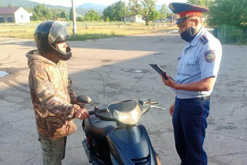 Около 700 нарушений среди водителей мототранспортных средств выявили в ВКО