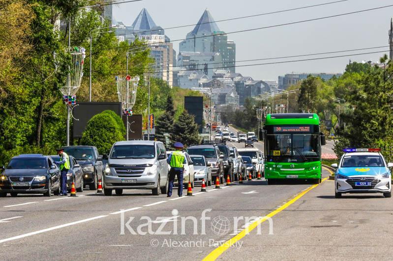 Строгий карантин: общественный транспорт Алматы не будет работать по выходным