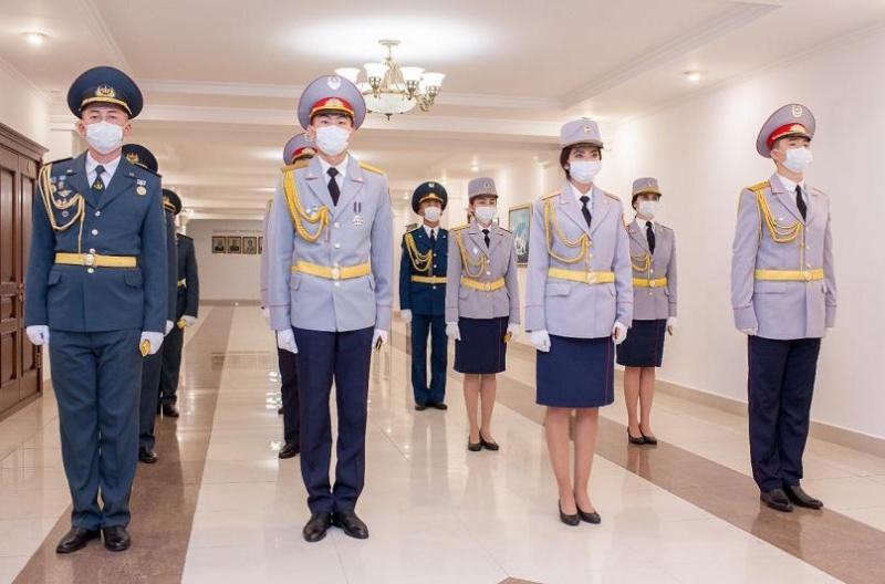 Министр внутренних дел вручил погоны выпускникам вузов МВД