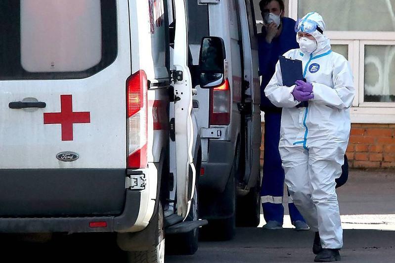 Число летальных исходов из-за коронавируса в России превысило 10 тысяч