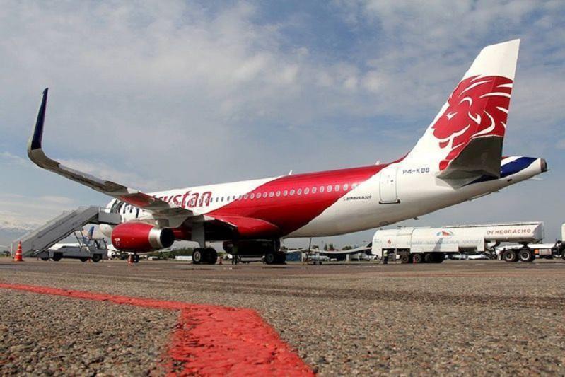 Молния ударила в самолет в Павлодаре