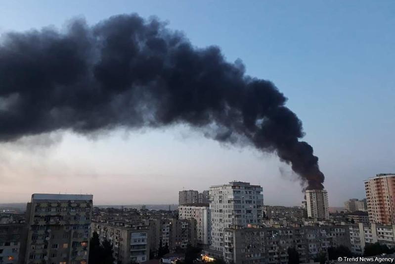 Бакудегі ірі өрт: бояу шығаратын фабрика жанып кетті