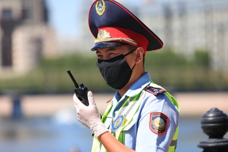 Полицейские Нур-Султана перешли на особый режим несения службы