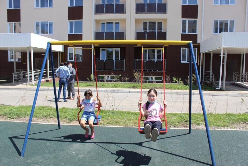 170 семей в канун Дня столицы получили ключи от новых квартир в Талгаре