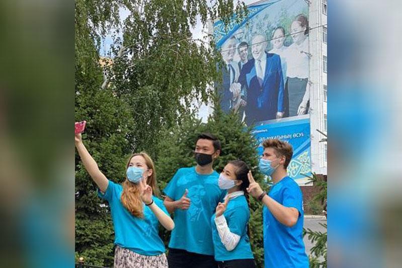 ElbasymenBirge: активисты «Jas Otan» поздравили Елбасы в соцсетях