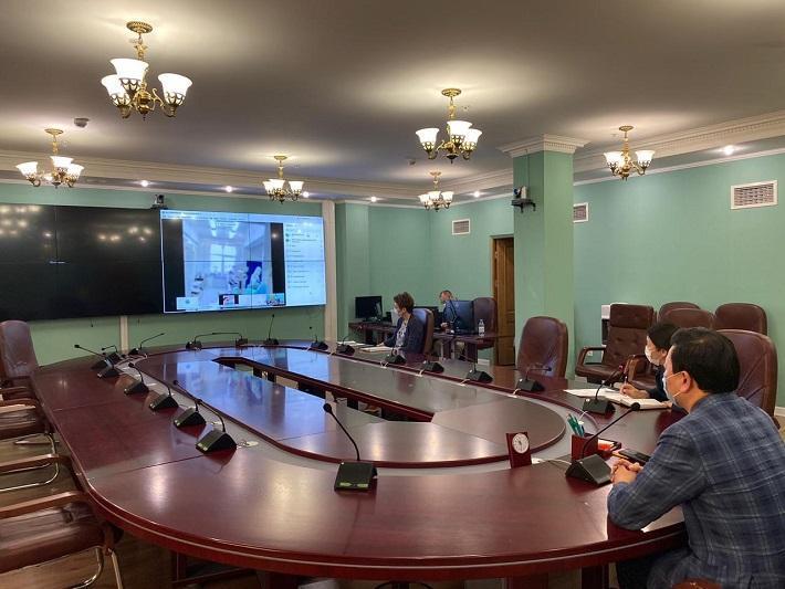 Денсаулық сақтау министрі Атыраудағы инфекциялық стационарды онлайн аралады