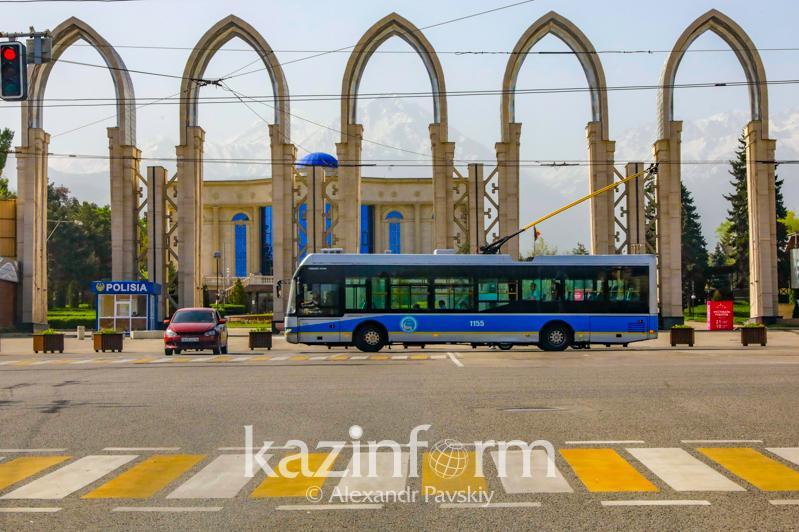 Almatyda qoǵamdyq kóliktiń júretin ýaqyty qysqardy