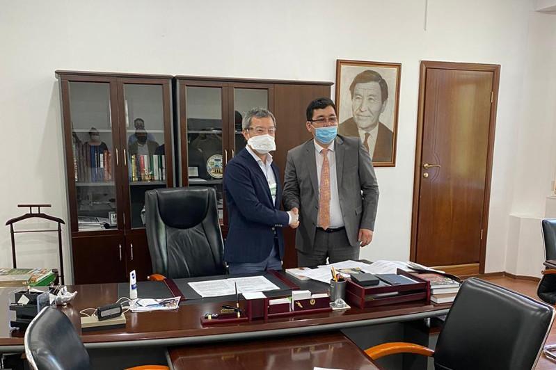 Akan Satayev to head KazakhFilm
