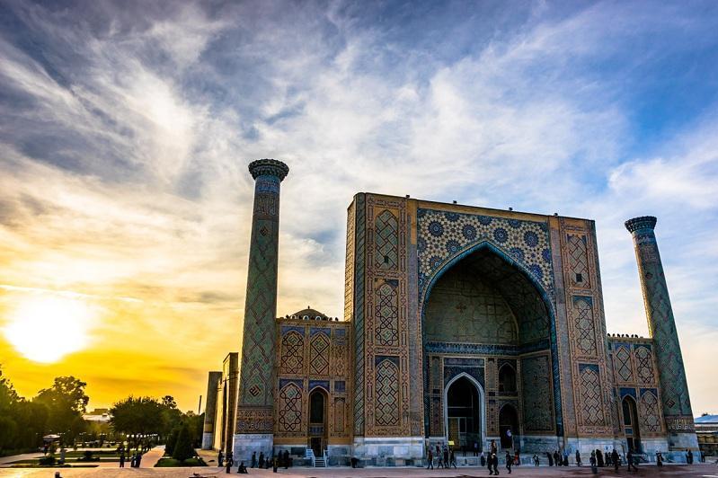 乌兹别克斯坦新冠确诊总数破万 宣布实施隔离措施至8月1日
