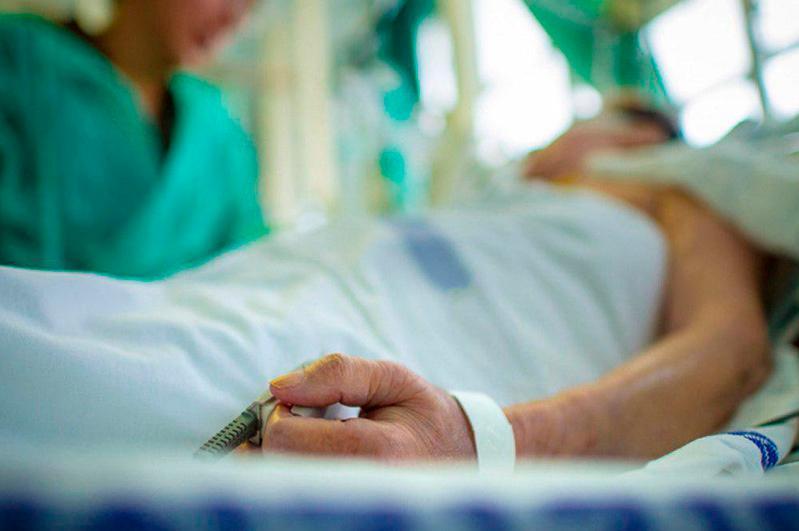 Около 2700 актюбинцев лечатся от пневмонии
