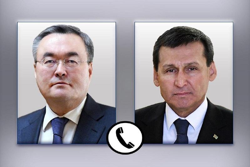哈土外交部长举行电话会谈