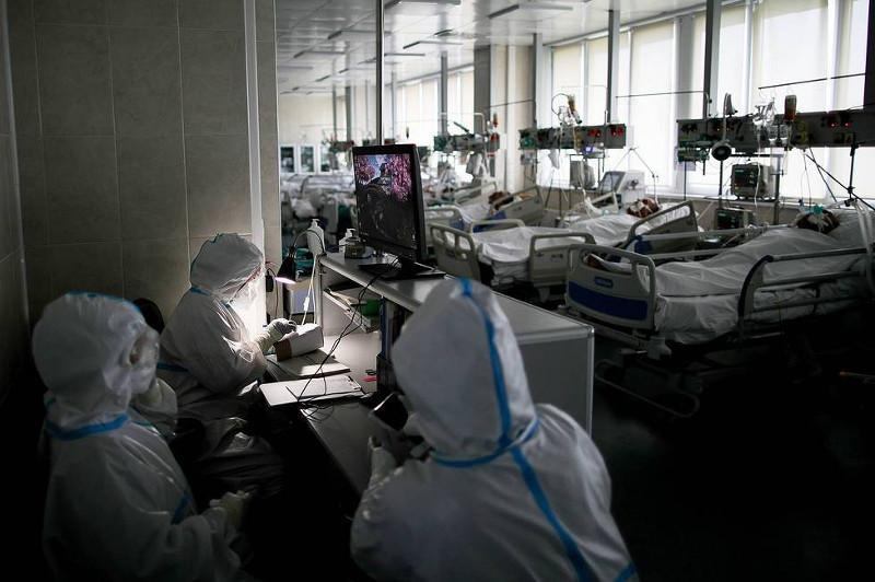 Russia's COVID-19 cases top 700,000