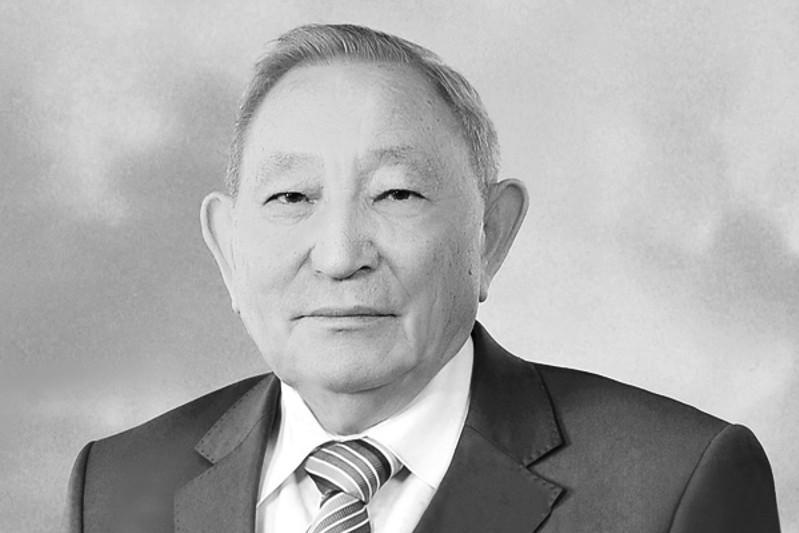 Умер известный химик и профессор Едил Ергожин