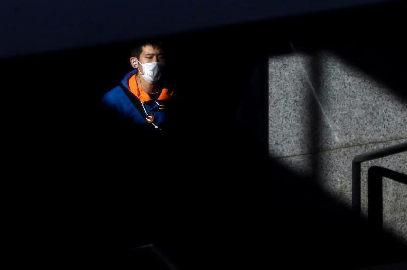 Рекордный прирост новых случаев коронавируса зафиксирован в Токио