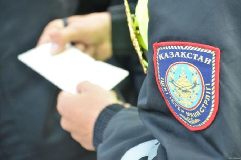 Как полицейские следят за соблюдением карантинных мер в Нур-Султане