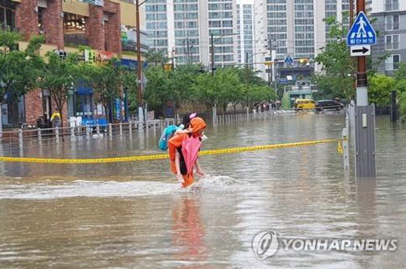 Busan soaked by sixth-heaviest downpour in two decades