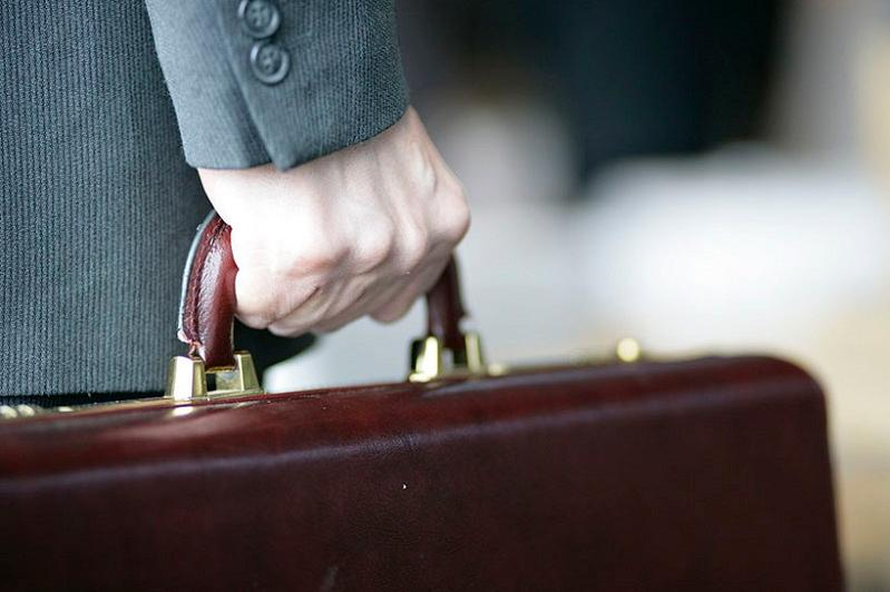 Нужно поставить более делового и менее гламурного человека - Президент о руководителе ФСМС