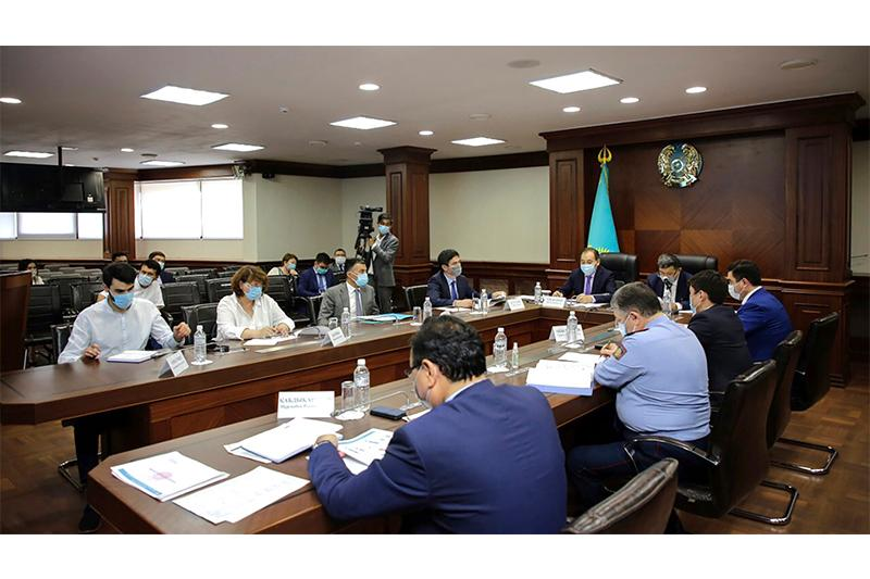 Deputy PM held meeting on health situation in Atyrau rgn