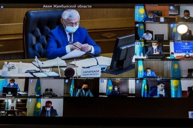Бердібек Сапарбаев Президенттің тапсырмаларын жүзеге асыру бойынша кеңес өткізді