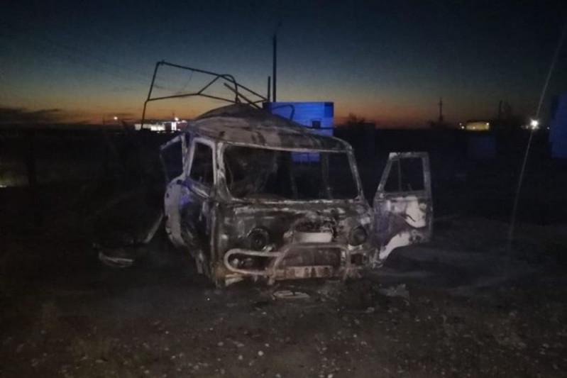 Машина взорвалась на заправке в Атырауской области